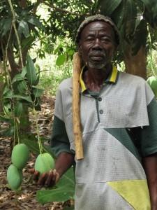 IMG_0089 Farmer Iissfu with Mango Tree.12