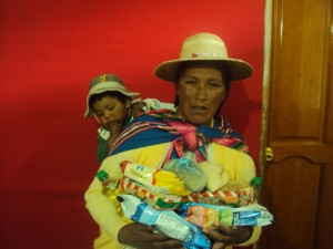Alto Lima (Bolivia) family receiving food support.